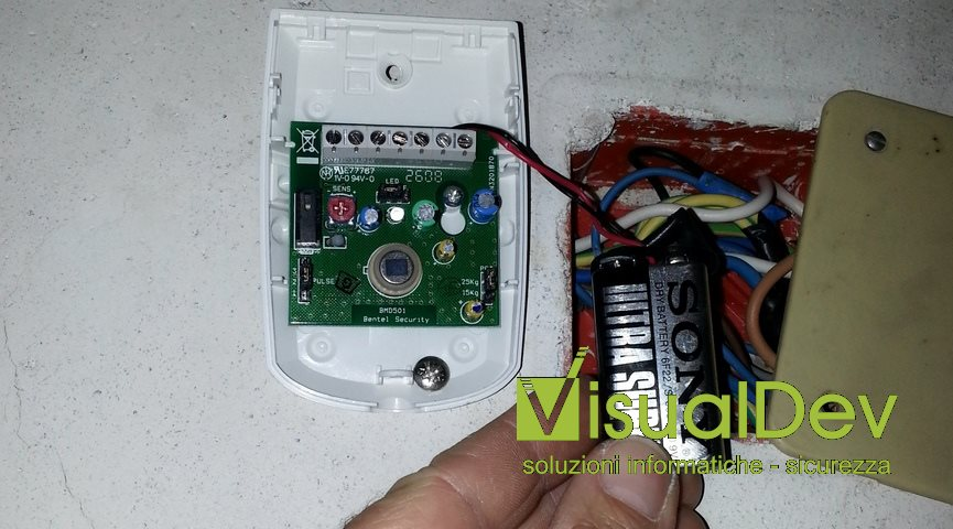 sensore filare a batteria 9v