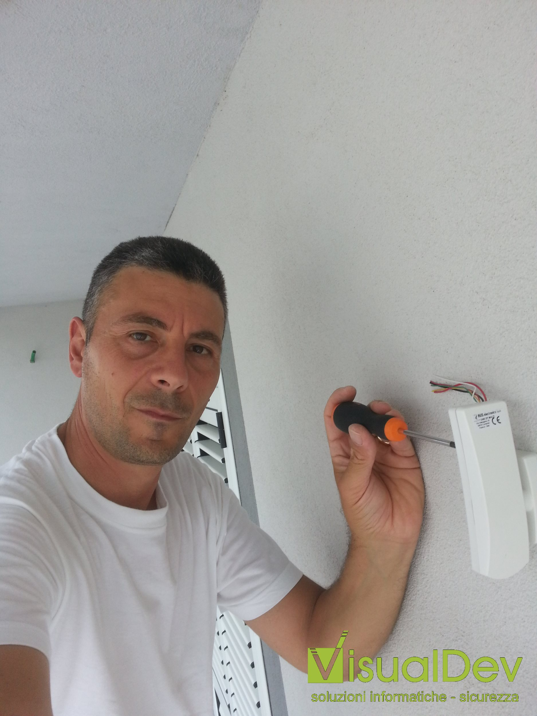 Installazione sensori a tenda da esterno AVS One Dt